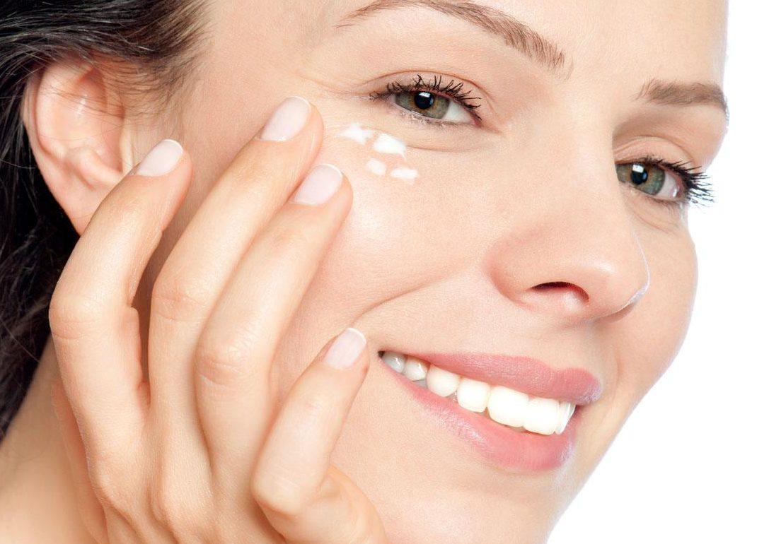 6 cách làm căng da vùng mắt