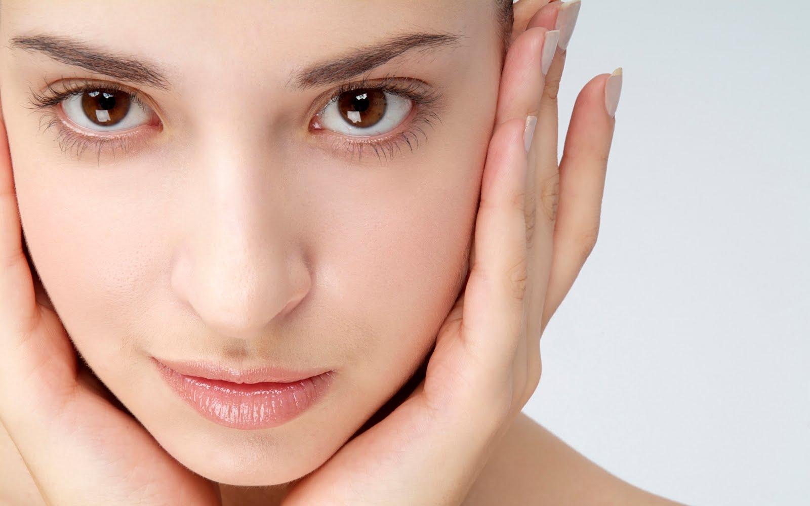 6 cách làm căng da vùng mắt hiệu quả